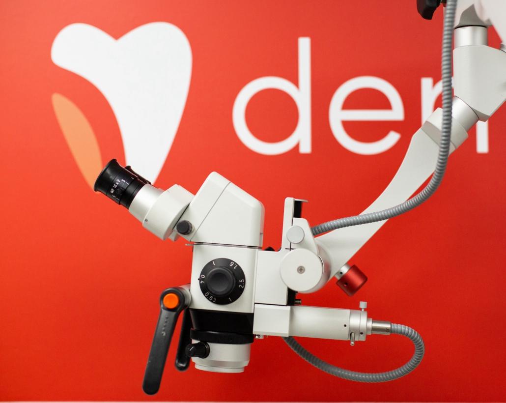 mikroskop w dentestica